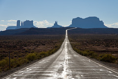 Monument Valley (PhotoSophil) Tags: road nature architecture utah place desert landscaping route monumentvalley mexicanhat lightroom cityplanning tatsunis amenagement housefitting pentaxk3
