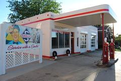 fill 'er up? (David Sebben) Tags: station iowa gas restored service fuel smalltown skelly petroleum mountayr