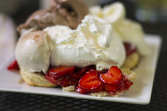 Strawberry shortcake (consolecadet) Tags: food strawberries strawberryshortcake coolwhip