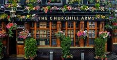 The Churchill Arms (geoffroy C) Tags: fuji x100t london jpeg x100 x100s street 23mm xsensor fujifilm londres x j