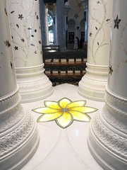 (ambertoday) Tags: abudhabi uae unitedarabemirates iphone6 sheikhzayed sheikhzayedgrandmosque sheikhzayedmosque mosque