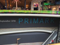 Plus City (austrianpsycho) Tags: building hollywoodmegaplex shopping einkaufszentrum gebude kino megaplex pasching pluscity primark september 2016 schild eröffnung
