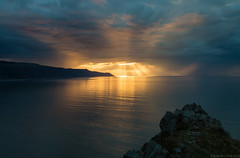 Drama over Foreland Point, Exmoor, UK (EmPhoto.) Tags: sundown seascape lightrays crepuscularrays stormy dramaatsea canoneos70d canon24105f4llens landscapepassion emmiejgee forelandpoint exmoor uk