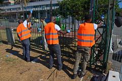Kennedy18 (Genova citt digitale) Tags: richiedenti asilo genova piazzale kennedy agosto 2016 volontari nigeria lavoro ilva
