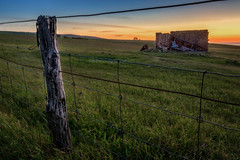Sunset on the Farm (*ScottyO*) Tags: fleurieu southaustralia sa australia myponga farm fence wire post wood landscape paddock field grass sunset evening dusk yellow orange green blue building abandoned decay ruin structure outdoor sky