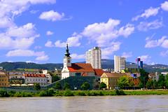 Linz (Austria) (jens_helmecke) Tags: donau linz stadt city flus river wasser water nikon jens helmecke sterreich austria gebude architektur