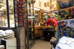 (Giovanni Liotta) Tags: barbiere taormina