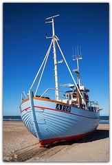 IMG_7770 - Slettestrand (Arne J Dahl) Tags: nordjylland danmark denmark vand sea slettestrand water blue coast fiskerbde vestkysten photoborder canon fishingboats outdoor boat landingsplads ocean canon5dmark2