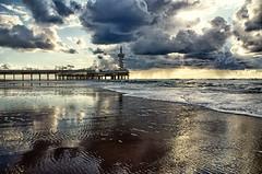 empty, cold beach (Smo_Q) Tags: beach netherlands loneliness scheveningen nederland denhaag journey paysbas thehague laia haga niederlande オランダ lahaya 荷兰 holandia lahaye paísesbajos 海牙 paesibassi 네덜란드 pentaxk5 헤이그 デン・ハーグ