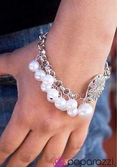 5th Avenue White Bracelet K1 P9409-3