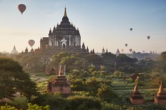 0G3B0025 - Balloons of Bagan (Eddie HBH) Tags: sunrise pagoda ballon myanmar bagan