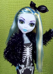 Starting the New Year off in style! (partymonstrrrr) Tags: black fur skeleton toy toys doll dolls newyear newyears etsy mattel 2015 lagoona stardoll dollsahoy hauntcouture lagoonablue monsterhigh studentdisembodycouncil studentdisembody