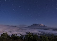 Mt St Helens in the moonlight with fog rolling in (DWoltereckPhotography) Tags: fog stars nightscape wa washingtonstate moonscape sthelens mtsthelens gitzotripod nikond4 nikkor2470 kirkballhead dwoltereckphotography