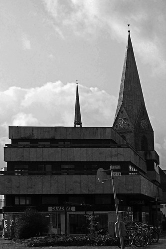 "In Kiel 2015 BW • <a style=""font-size:0.8em;"" href=""http://www.flickr.com/photos/69570948@N04/16094136304/"" target=""_blank"">View on Flickr</a>"