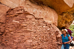 Sue and the Kiva (jpmckenna - Alaska Bound) Tags: utah hiking backpacking canyonlandsnationalpark canyonlands desertlandscape getoutside needlestraverse