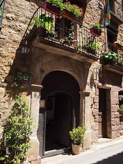 PRADES-32 (e_velo ()) Tags: 2016 catalunya baixcamp prades primavera spring olympus e620 buildings edificis edificios doors puertas portes