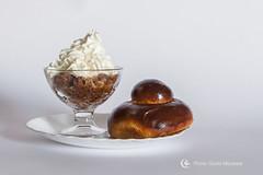 Granita di caff con panna e Brioches col Tuppo (Il crogiuolo dei colori) Tags: monasta giuliomonasta caff granita granitadicaffconpanna granitadicaff