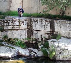 Pescando en el rio Barbellido (eRdAvE) Tags: barbellido vila flyfishing gredos