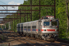 SEPTA 6352 @ CP Wood (Dan A. Davis) Tags: pennsylvania septa pushpull aem7 woodbourne railroadphotography cabcar