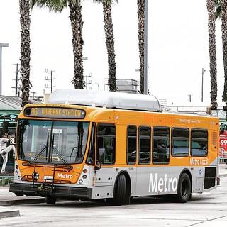 #metrotransitarchives #moovit #burbank #losangeles #california #streetphotography #portrait #metrolink #metrotransit #gometro #metrolosangeles #metrolocal #metrobus #NABI #CNG #baby #lowfloor #transit #bus #publictransportation
