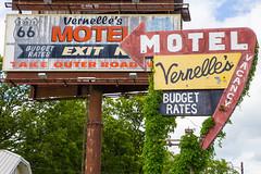 MO Newburg - Vernelle's Motel (lenmidgham) Tags: advertising roadside motel route66 ontheroad roadtrip newburg missouri unitedstates us