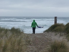20141127_141345 (mjfmjfmjf) Tags: oregoncoast manzanitaoregon pacificocean oregon people 2014 takenfrombehind