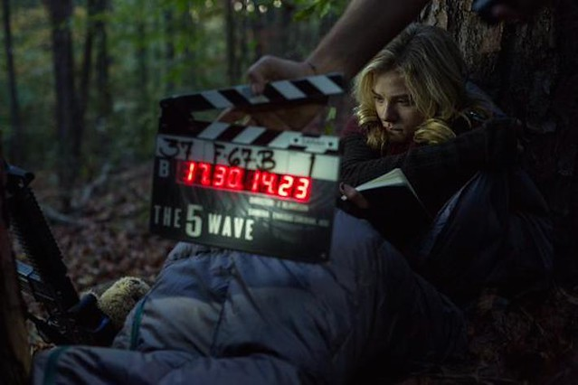 First Official Look At Chloe Grace Moretz In THE 5TH WAVE