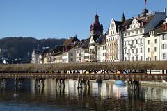 2014.12.23.026  LUCERNE - La Reuss, (alainmichot93) Tags: architecture schweiz tour suisse luzern rivire pont svizzera lucerne wasserturm 2014 reuss pontcouvert kapelbrcke cantondelucerne