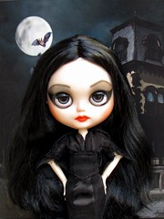 Custom Blythe TBL caracterizada Morticia Addams para Mônica Figueiredo