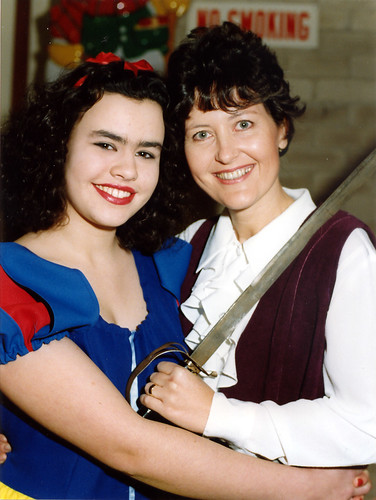 1996 Snow White and the seven dwarfs 09 (left Kathy Allan, Gill Travis publicity photo)