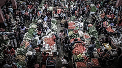 Chichicastenango (gies777) Tags: travel people colors america maya market guatemala sony central vegetable menschen alpha markt indigenas bunt chichicastenango gemse chichi markthalle tracht lateinamerika indigene a700 zentralamerika mittelamerika quich elquich