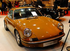 Porsche 911 Carrera RS (SP-98) Tags: auto old light france hot love cup look car sport 30 race canon germany fun eos gold 1974 911 young style vhc right voiture course german porsche gt rs plaisir coup motorsport carrera historique propulsion rtromobile worldcars athmo