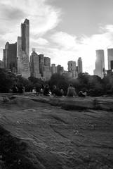 Central Park Sunset (Ana Beln Meja) Tags: street city sunset blackandwhite newyork blackwhite centralpark ciudad nuevayork eeuu