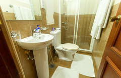 Bathroom (T and V Boutique Apartments) Tags: vacation court hospital apartment budget central rental sri lanka national ceylon accommodation spa colombo groups fully hedges serviced hayleys odel asiri