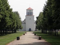 Schinkelkirche Neuhardenberg (bernstrid) Tags: neuhardenberg brandenburg kirche schinkel allee