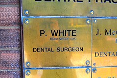 Pearly White (Berny Mc) Tags: signs teeth dentist brass