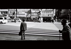 (lemonhats) Tags: olympusmjupanorama olympus3535 fujifilmneopanacros100 kodakd76 classiccamera vintagecamera automatic 35mmcompact autofocus 35mmf35 fixedlens primelens wideprime iso100 35mmfilm blackandwhite printfilm homedevelopment legacyphotography analoguephotography filmphotography filmisnotdead filmforever filmcommunity filmgeek shootfilm believeinfilm fpper walking yaesu tokyoto japan candid street
