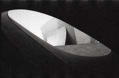 through the window at the broad (tamara noland) Tags: canona1 fujineopan1600 filmphotography analogue blackandwhite availablelight downtownlosangeles thebroadmuseum throughawindow disneymusichall bigfatgrain
