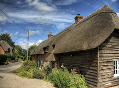 Barn Cottage, Near Winchester, UK (neilalderney123) Tags: architecture dean cottage hampshire bark winchester thatched sparsholt 2016neilhoward