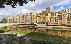 Casas colgadas sobre el ro Oar (neoBIT) Tags: ancient architecture art building centre cityscape decorative downtown gothic hanginghouses heritage historic landmark old outdoor picturesque river scenic skyline square street tower urban wife girona oar onyar cataluna spain