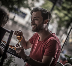 Spaghetti (Henka69) Tags: street streetphoto candid lunch lunchtime smile daddy streetcolour stockholm sweden