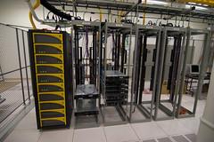 3PAR_SAN_in_the_server_room (vcenter.ir) Tags: tokina1224mm