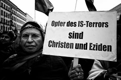 . (Thorsten Strasas) Tags: berlin kreuzberg de demo deutschland is war iraq rally protest demonstration syria isis kundgebung attacks neukoelln hermannplatz kurdistan irak syrien kurds isil yazidi ypg kurden pkk schwarzweis sengal angriffe yeziden jesiden yekineyenparastinagel ainalarab islamischerstaat kobane volksverteidigungseinheiten sindschargebirge