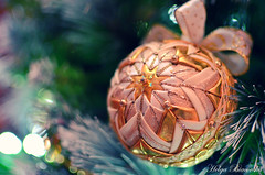 christmas (infernito) Tags: christmas holiday ball photography gold lights photo nikon holidays advent