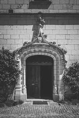 Chteau d'Uss V (CrOS Photographie) Tags: door castle architecture landscape perspective porte paysage loire renaissance gothique touraine indreetloire chteauxdelaloire