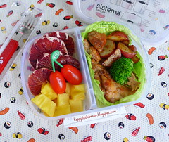 Shoyu Chicken Bento (sherimiya ) Tags: school chicken tomato lunch kid yummy potatoes healthy broccoli delicious lettuce homemade pineapple bento obento shoyu schoollunch bloodorange sherimiya happylittlebento