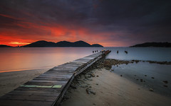 ...Sunset Jetty... (Farizun Amrod Saad) Tags: sunset seascape beach nature canon landscape island photography twilight jetty awesome malaysia slowshutter lumut teluk jeti batik perak longeexposure singhray rgnd farizunamrod
