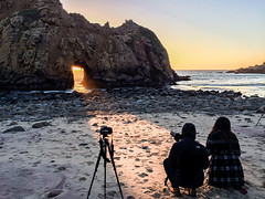 Getting the perfect shot (mojave955) Tags: california usa america canon unitedstates unitedstatesofamerica bigsur westcoast pfeifferbeach   600d sunportal   keyholerock  eos600d rebelt3i