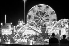 1968_A0015-4_20101210W (Réal Filion) Tags: light canada game night montréal lumière québec machines nuit manège attraction jeu