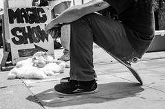 Have a seat (Emilien ETIENNE) Tags: show street portrait urban blackandwhite bw monochrome publicspace blackwhite losangeles nikon raw faces noiretblanc candid streetshots streetphotography streetlife nb venicebeach lax emotions musclebeach redondobeach photojournalist portaiture whiteblack candidportrait photoderue magicshow streetphotograph photojournalisme scenederue takeaseat streetstories peopleinthestreet therealstreetphotography streetcomposition candidstreetphotography candidsnapshot rawstreetphotography scenefromthestreet scenedevie travelphotojournalism d7000 nikond7000 emilienetienne